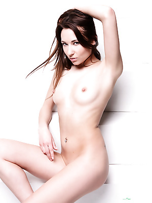 Watch4Beauty  Lila  Erotic, Softcore